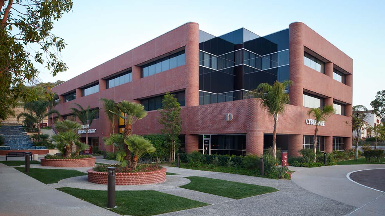 Htk-north-coast-health-center_0003_Layer 2